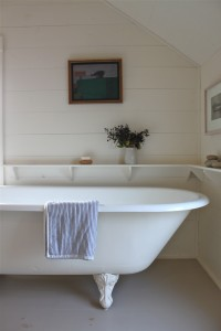 tub - Maine cottage by Sheila Narusawa architects