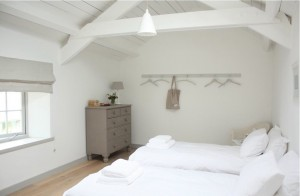 calfshed-twin-room