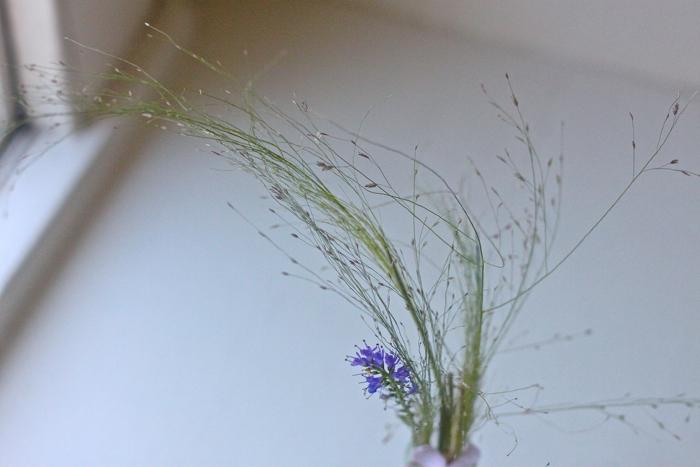 Solvi grass posie detail 3