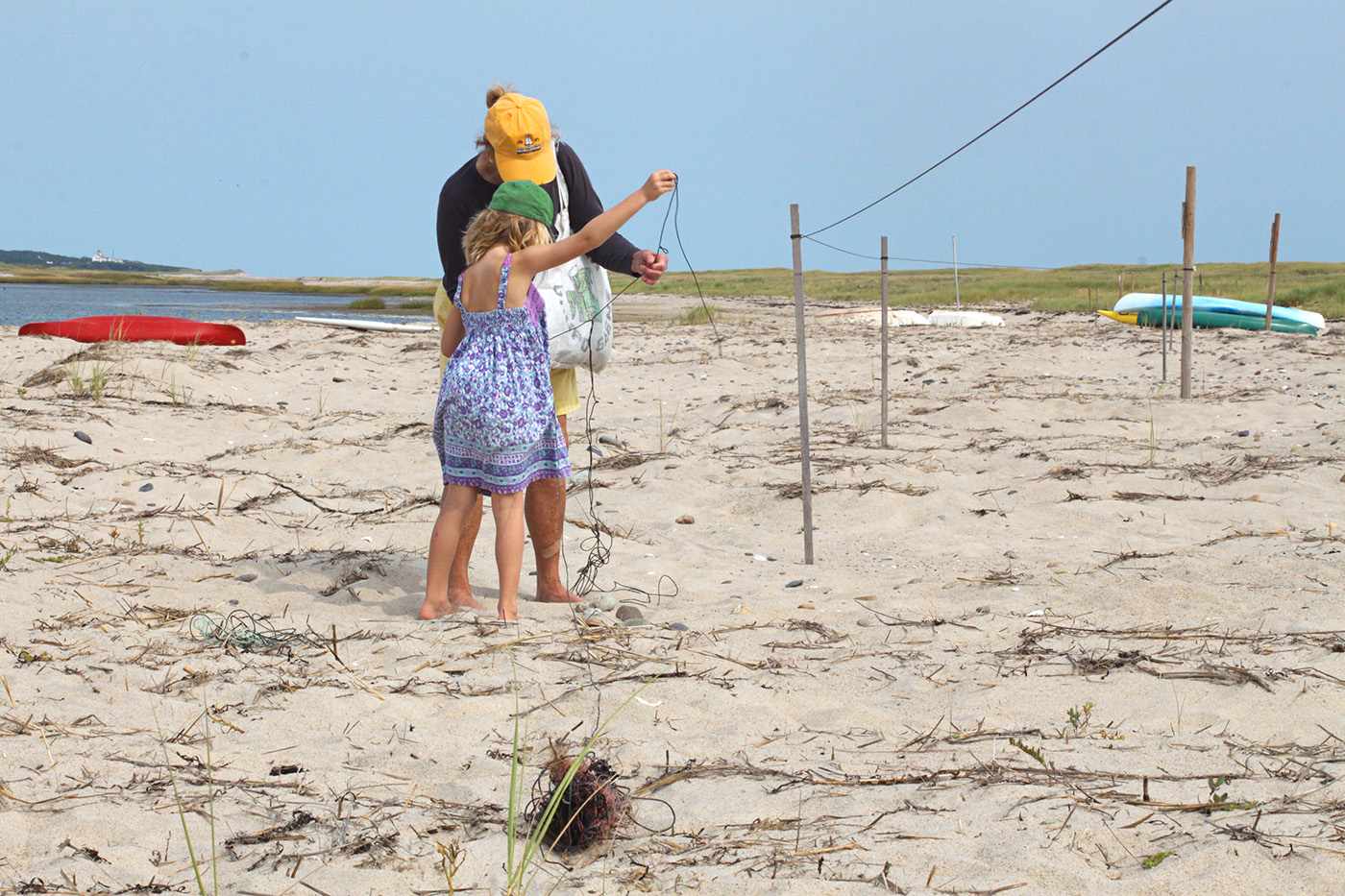 beach twine knits by Marnie Campbell, photo by Justine Hand, unraveling the twine