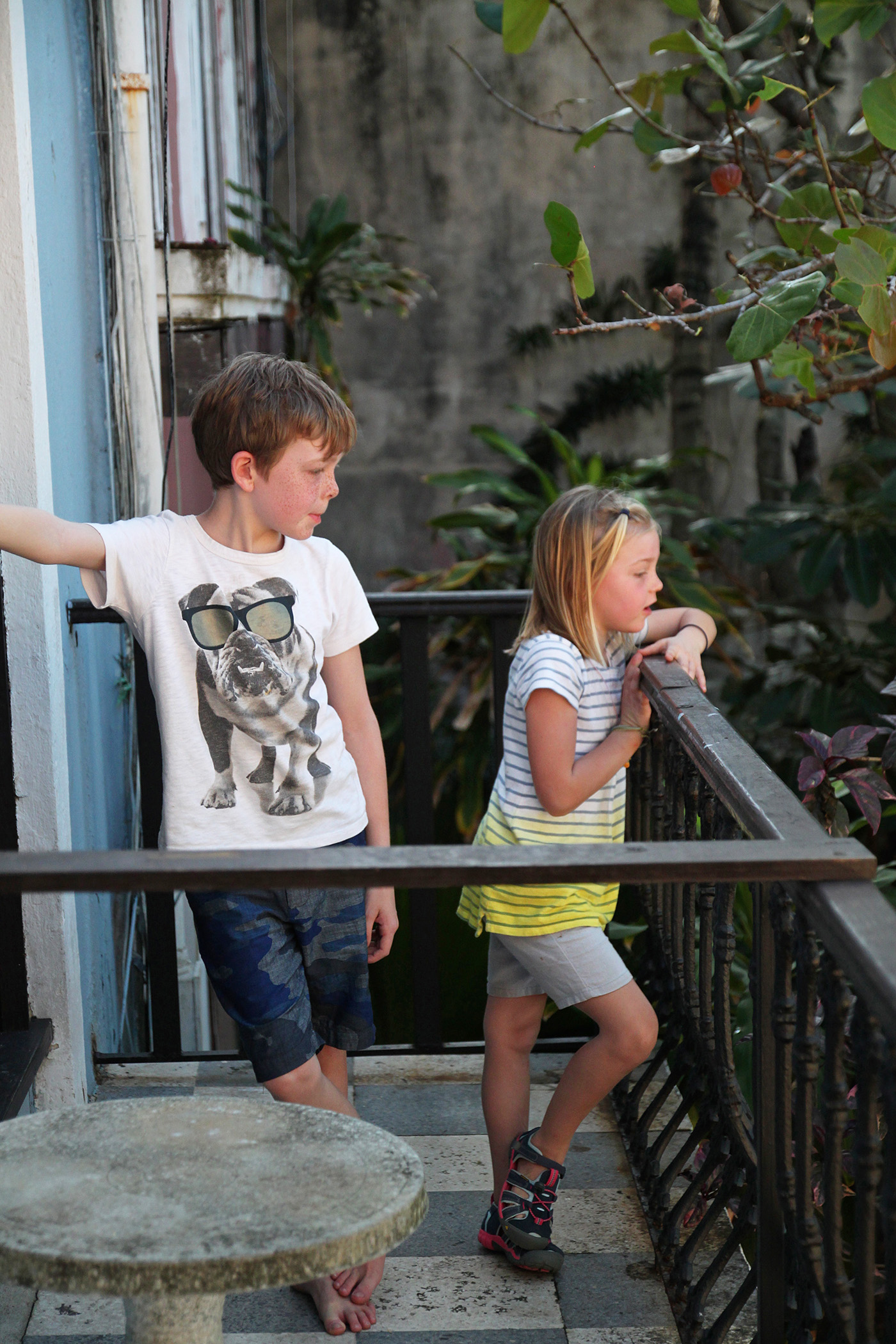 Gallery Inn Old San Juan kids on balcony by Justine Hand
