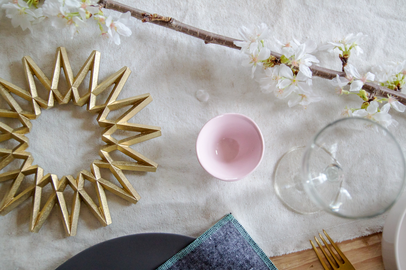 Mothers Day Table with Everyday Napkin, sun trivet, Justine Hand for Remodelista
