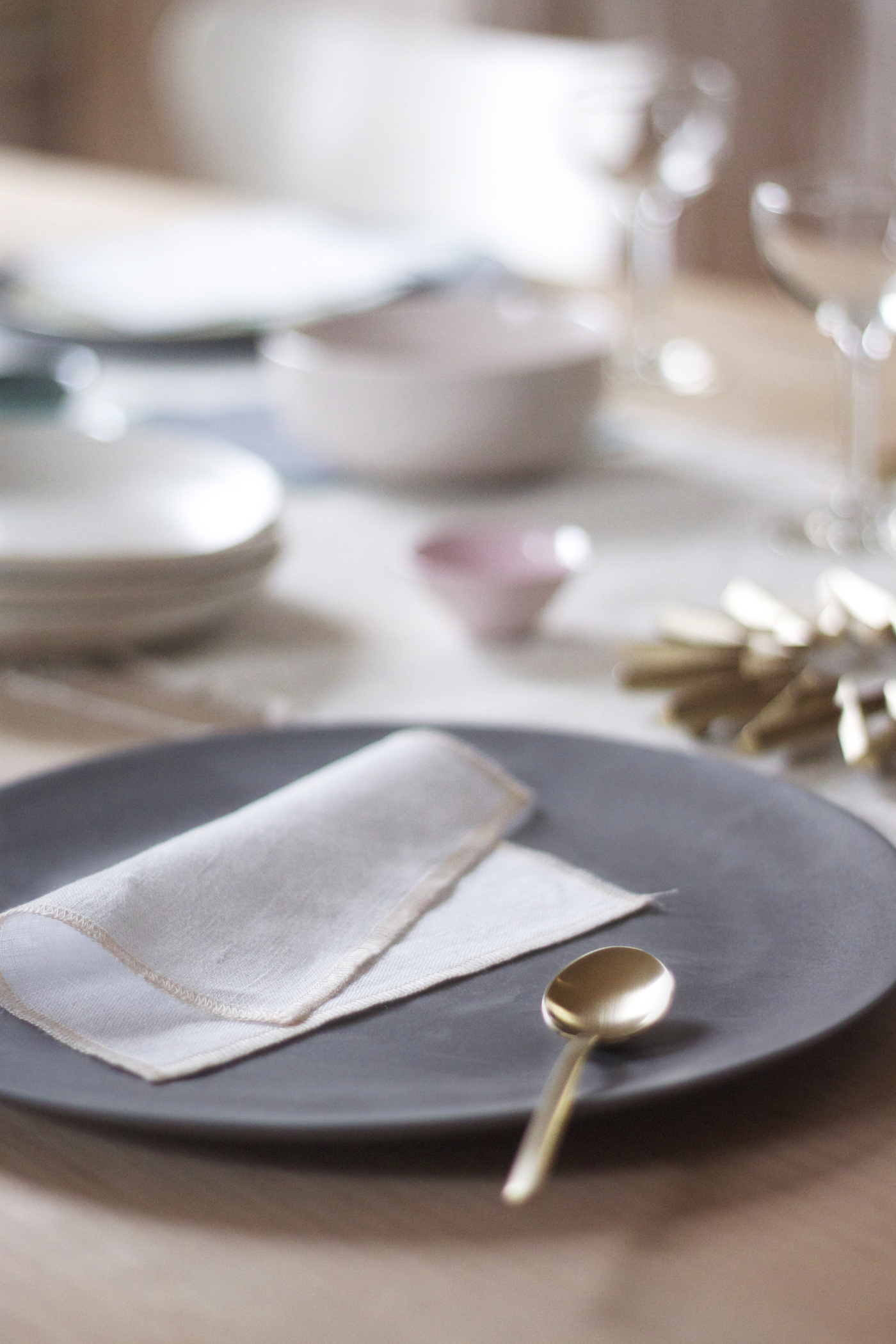 Mothers Day Table with The Everyday Napkin, Due Oro spoon, by Justine Hand for Remodelista_edited-1