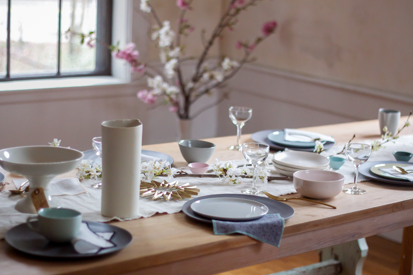 mothers day table with everyday napkin, Remodelista